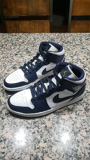 Air Jordan 1 Mid Navy Gold 7/10 condition for Sale in Federal Way, WA