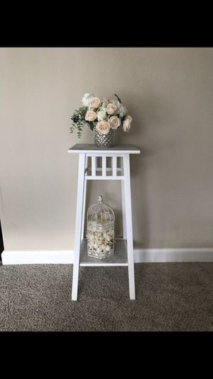 end table $25 for Sale in Foster City, CA