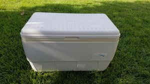 Igloo Marine 48qt Icechest for Sale in San Antonio, TX