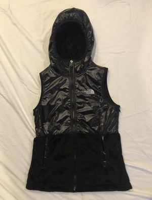 North Face / Soft Cozy Fuzzy Fur Fleece Vest Sweatshirt Jacket Coat / SIZE: Women's X-Small / Brand New w/ Tags! / Black for Sale in Auburn, WA