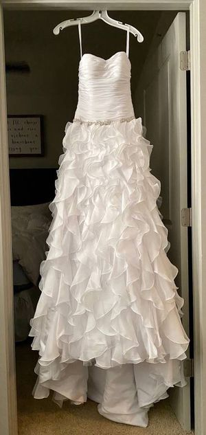 David's Bridal Collection - Wedding Dress - New, WG3118, Size 2 for Sale in Raleigh, NC