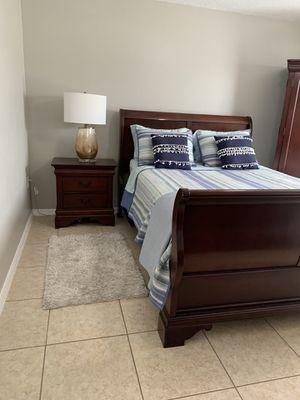 Beautiful wood bedroom set for Sale in Cypress Gardens, FL