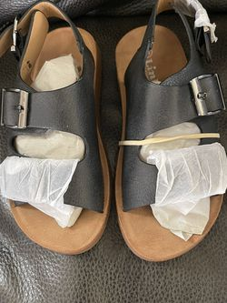 New Sandals Size 11 toddler for Sale in Bell,  CA