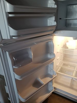 Brand new refrigerator frigidaire.. for Sale in Bloomington, CA