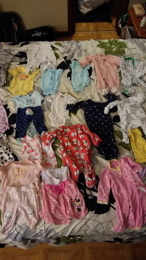 New born all Carter's brand no stains babygirl clothes for Sale in Atlanta, GA