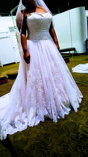 Wedding Dress for Sale in Universal City, TX