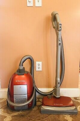 Electrolux Oxygen Canister Vacuum Cleaner for Sale in Tacoma, WA