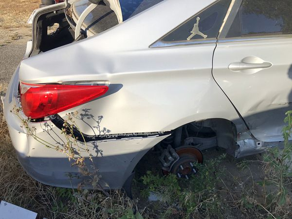 2012 Hyundai Sonata - parting out complete car