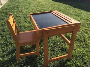 Kids desk for Sale in Irwindale, CA