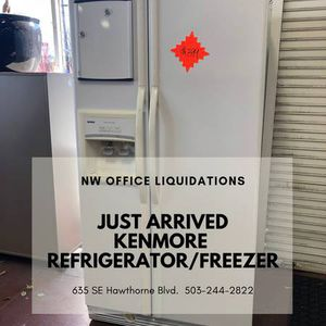 Used Kenmore Refrigerator with in door Ice Maker and Water Dispenser $399 for Sale in Portland, OR