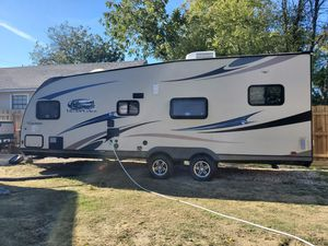 2013 Coachmen Freedom Express for Sale in OLD RVR-WNFRE, TX