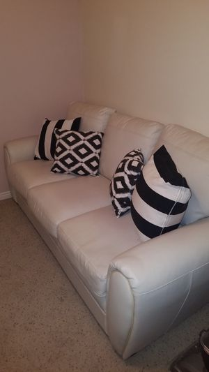 Sleeper sofa for Sale in Spanish Fork, UT