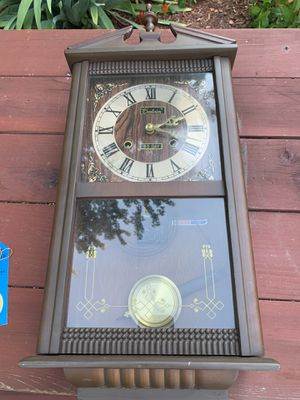 CENTURION ALL WOOD 35 DAY CLOCK $100 for Sale in Cleveland, OH