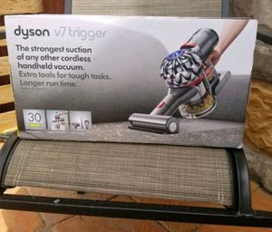 Dyson v7 Cordless Handheld Vacuum for Sale in Colorado Springs, CO