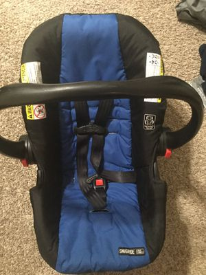 Car seat graco with base for Sale in Cleveland Heights, OH