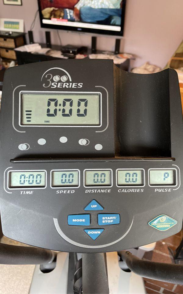 Elliptical Exercise Machine - Diamond Back 300 Series