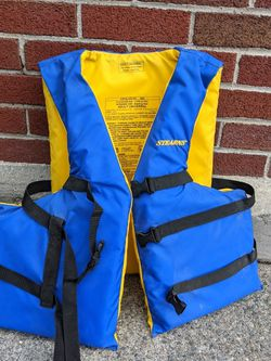 Life Vest FREE for Sale in Leominster,  MA