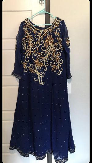 Pakistani dress for Sale in Rochester, MN