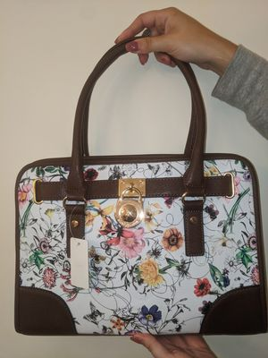 Brand new floral bag with dark brown accent for Sale in Billerica, MA
