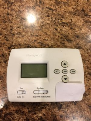Honeywell Programmable Thermostat for Sale in Maidsville, WV