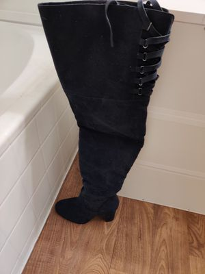 Heeled boots , size 7,5 for Sale in Glendale, AZ