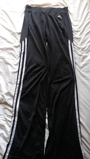 Adidas jogger pants for Sale in Calexico, CA