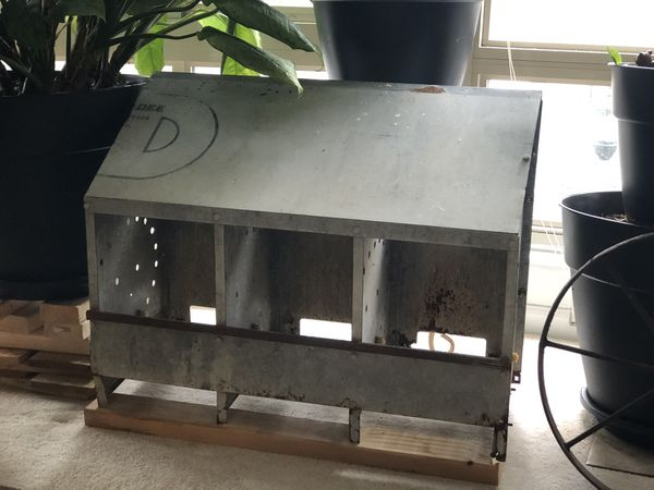 The hole chicken nest box plus feeder