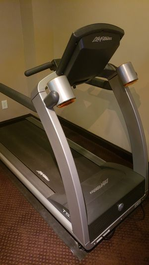 Treadmill lifefitness To5 for Sale in Duluth, GA