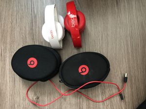 2 beats over ear headphones for Sale in Atlanta, GA