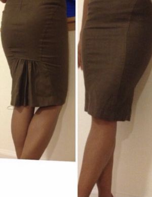 BEBE Chocolate Brown Skirt w/light Stretch w/ruffled detail in back $5 *details below* for Sale in Austin, TX