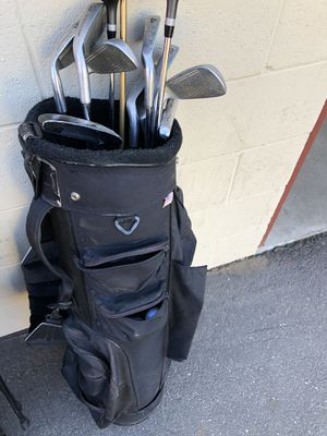 Starter golf clubs and golf bag for Sale in Los Angeles, CA