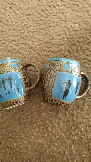 Antique set in great condition Asking $5 for both for Sale in Dallas, TX