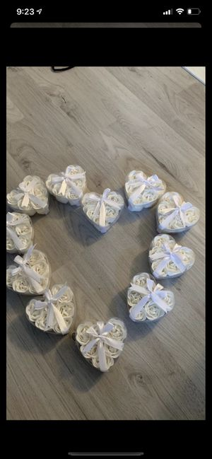 Decorative roses -set with 11 for Sale in Hollywood, FL