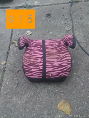 Girls booster carseat for Sale in Taylor, MI