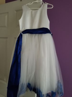 Flower girl dress size 6 for Sale in Stockbridge, GA
