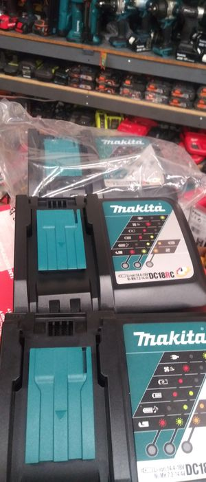 MAKITA 18V CHARGER for Sale in Colton, CA