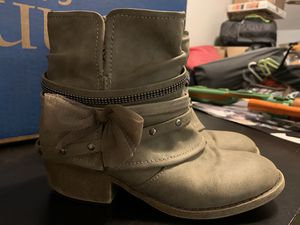 Boots - size 1 girls for Sale in Odessa, FL