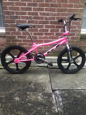 GT PRO PERFORMER [PINK] Completely Refurbished: 80's STYLE FREESTYLE BMX BIKE! for Sale in Alexandria, VA