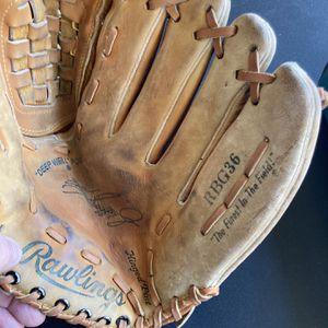 (3)Baseball Gloves Ken Griffey Jr/Derek Jeter Models for Sale in Gatesville, TX