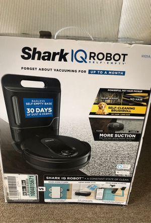 Shark/ Q robot. Vacuum for Sale in Bladensburg, MD