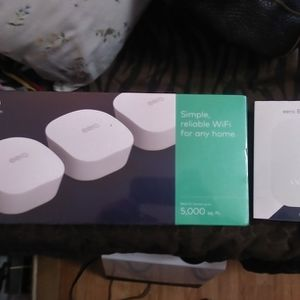Eero Wifi. System. (3 eeros, 3 Power Adapters, 1 Ethernet Cord.) And 1 Beacon for Sale in Anacortes, WA