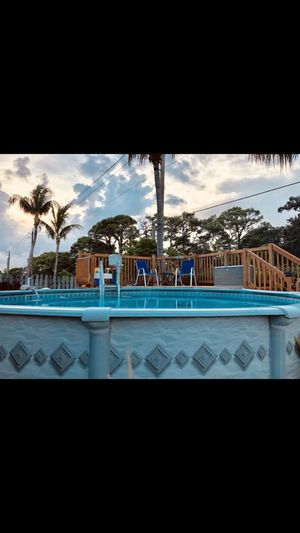 18ft pool no pump new liner new coves for Sale in Pompano Beach, FL