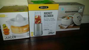Citrus juicer, rocket blender, pot for Sale in Houston, TX