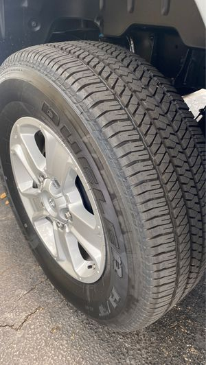 Toyota Tundra 2020 rims and tires for Sale in Miramar, FL