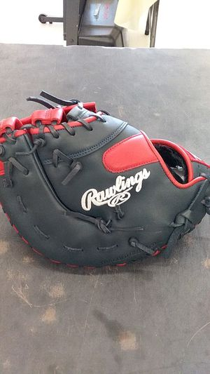 Baseball glove for Sale in Plant City, FL