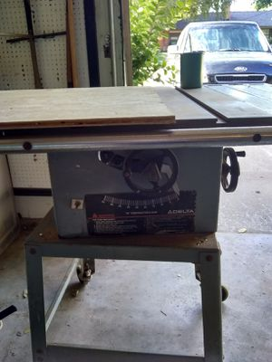 Delta 444 contractor table saw for Sale in Oklahoma City, OK
