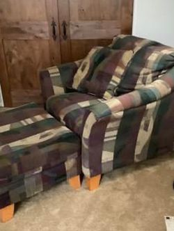 Oversized Chair And Matching Ottoman, In Perfect Condition No Rips, Holes, Stains Or Smells! for Sale in Gig Harbor,  WA