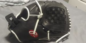 Softball glove 13 inch size for Sale in Oklahoma City, OK