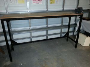Work bench with shop vise for Sale in Coral Springs, FL
