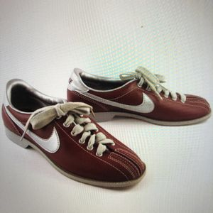 RARE VINTAGE NIKE 1983 Shoes for Sale in Moreno Valley, CA